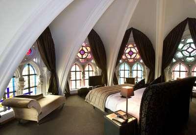 спальня в готическом стиле