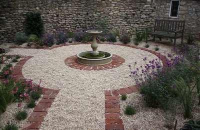 Красивый гравийный сад