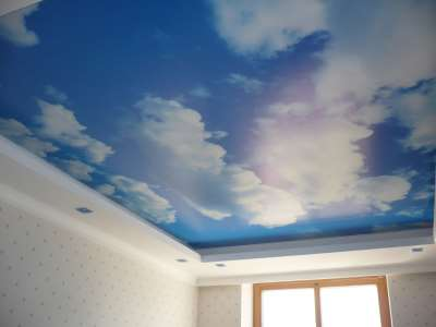 потолок с рисунком неба
