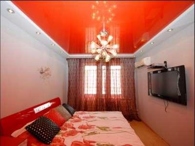 Цветной потолок, фото