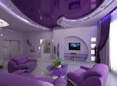 Украшаем интерьер квартиры с помощью цветного потолка