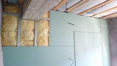 Гипсокартон на стене