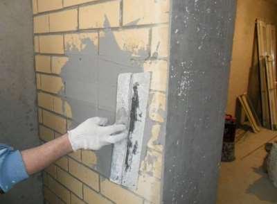 Оштукатуривание стен, фото