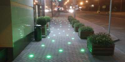 Светящаяся тротуарная плитка, фото