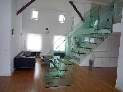 Стеклянные ограждения лестниц – безопасность и отличный внешний вид