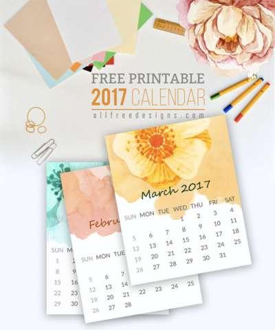 Бумажные календари необходимая деталь на работе и дома