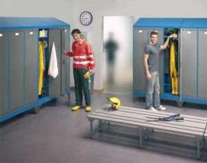 Металлические шкафы для одежды лучше деревянных