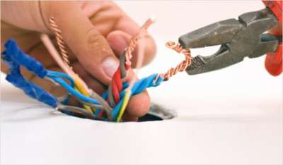 Главные правила замены электропроводки в доме. Электрик на дом в Москве