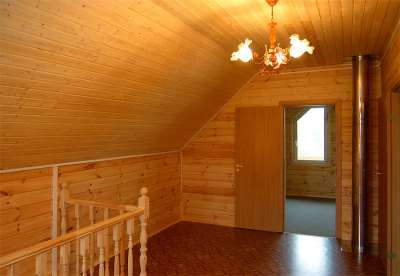 Деревянная вагонка – оптимальный выбор для обшивки бань и балконов