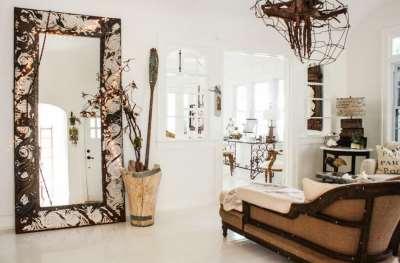 Зеркала в раме – практичное украшение интерьера