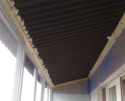 Процедура установки крыши на балконе своими руками