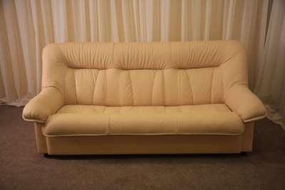 Перетяжка дивана в домашних условиях