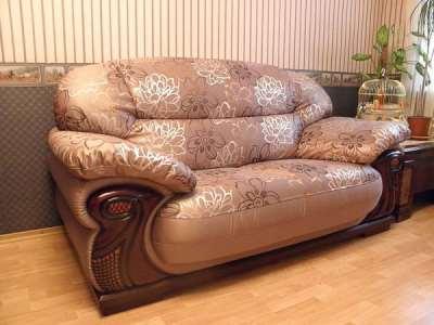 В чем выгода заказа услуги по обивке мебели?
