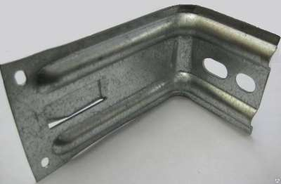 Что представляет собой стальной фасадный кронштейн