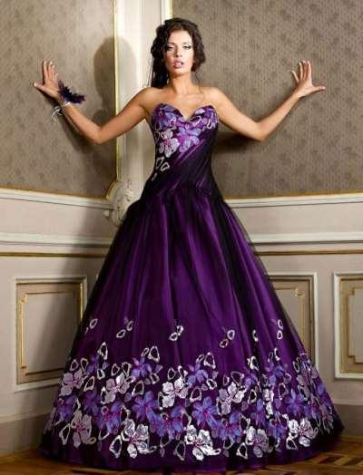Фиолетовое вечернее платье как оригинальное решение для любого мероприятия