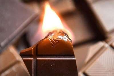 Почему шоколад горит?