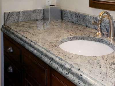 Мраморные столешницы – замечательное дополнение современной ванной