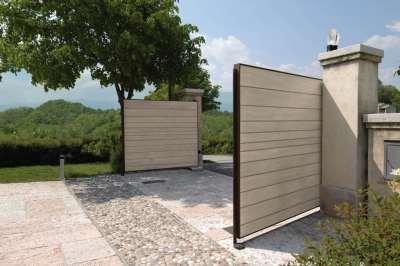 Распашные ворота: виды конструкций и отличия