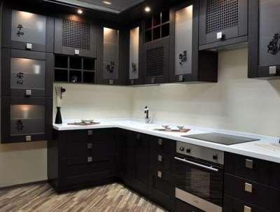 Преимущества и особенности угловых кухонь