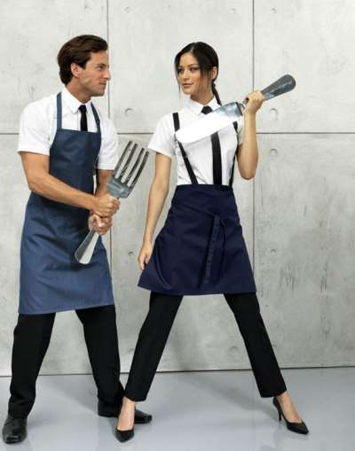 Оригинальная форма официантов – залог популярности и успешности заведения
