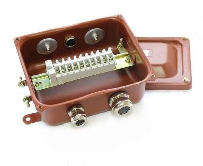 Предназначение и технические характеристики коробки с наборными зажимами КЗНС