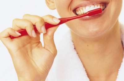 Насколько эффективна отбеливающая зубная паста?