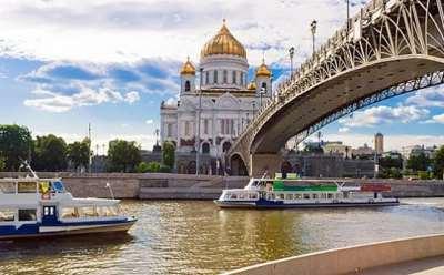 Речные прогулки на теплоходе по Москве
