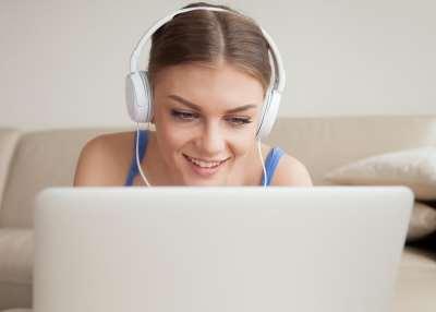 Варианты работы онлайн для девушек