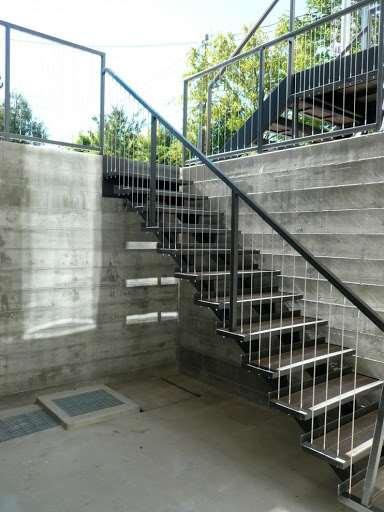 Уличные лестницы на металлическом каркасе – лучший вариант