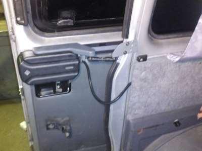 Возможности электропривода сдвижной двери для микроавтобусов