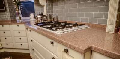 Столешницы из акрила – украшение кухни