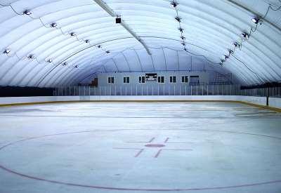 Что учитывается при строительстве ледовых катков?